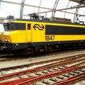 Amsterdam Centraal : motrice en gare