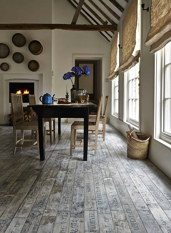 Country-Homes-and-Interiors-Country-Days-cosy-country-dining-room