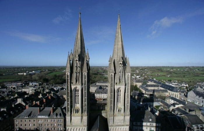 coutances-cathedrale-2-0x0