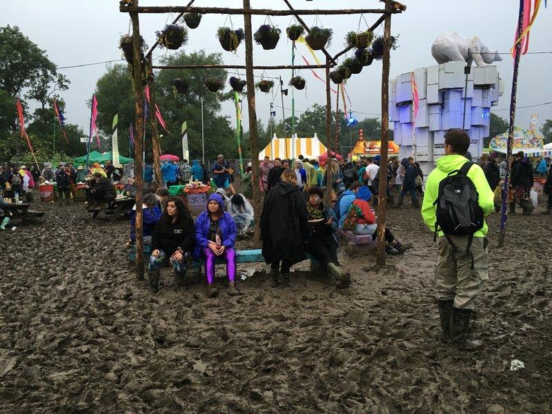 Glastonbury festival 2016 jeux concours boue