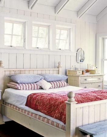 Red_White_Blue_Vintage_Master_Bedroom_HTOURS0107_de