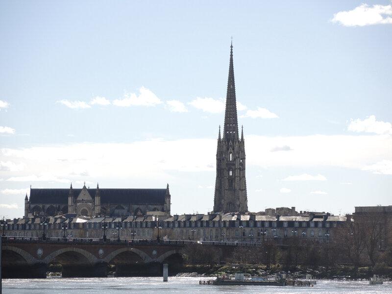 Bordeaux, pont de pierre et flèche Saint-Michel (33)