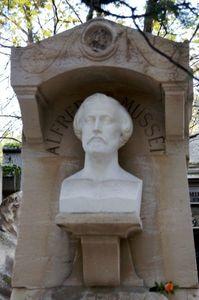 statue-alfred-de-musset-au-père-lachaise-700-3137