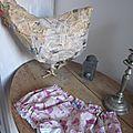 Culotte BIANCA en coton imprimé accessoires fille rose sur fond beige - coton imprimé et lin blanc dans le dos - noeud vichy marine devant et sur les fesses (2)