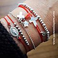 Bracelet Chemin de Croix (argent massif) corail (49 €), bracelet Catho branchée (39 €) et bracelet Dizenier