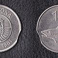 Une couronne islandaise fautée clipée deux lunule et une cinquante couronne islandaise clipée une lunule