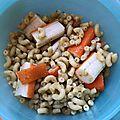 Coquillettes au blé complet, pesto et surimi