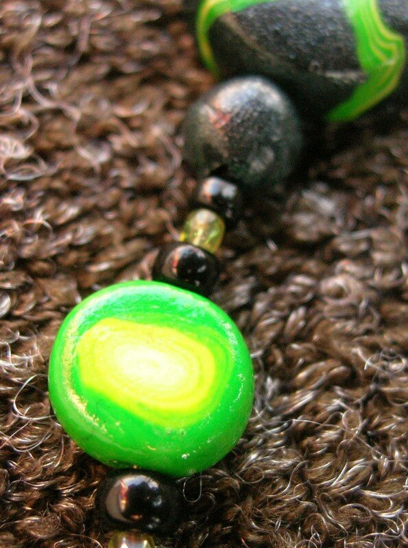 Collier vert et noir à la façon d'Edith, vue 2