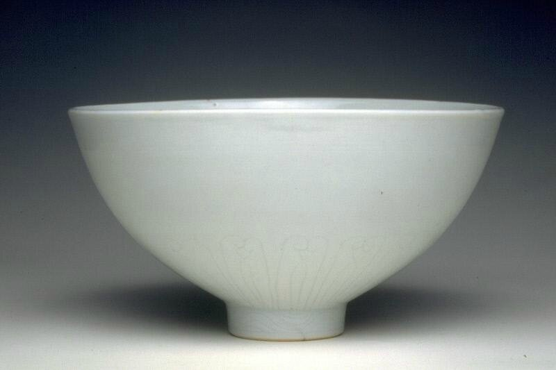 Bowl with lotus petals, Ming dynasty (1368-1644), Reign of the Xuande emperor (1426-1435)