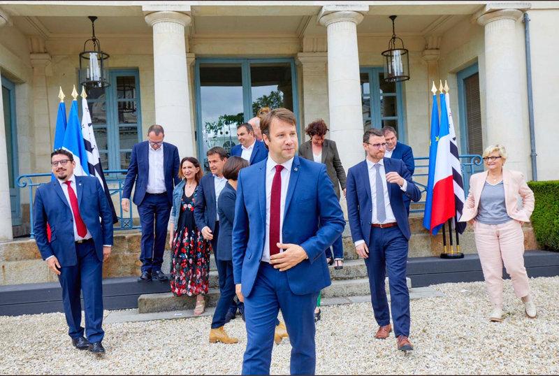 Région Chesnais-Girard et nouveaux vice-présidents-2