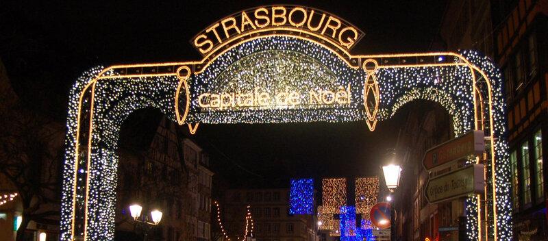 portail-entree-marche-noel-strasbourg