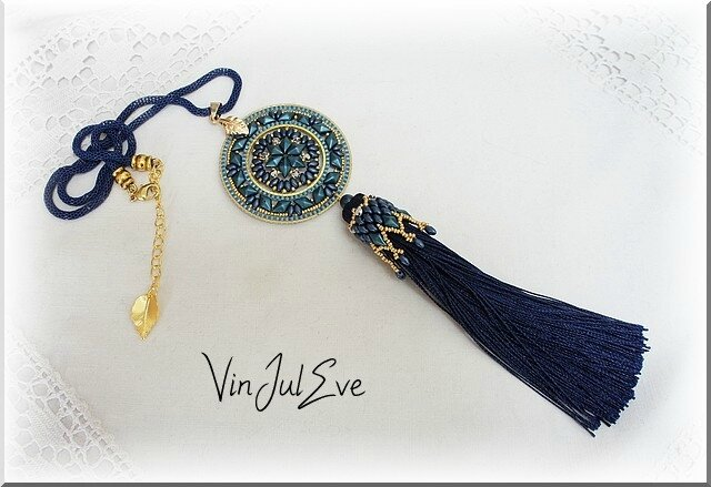 collier Staka bleu or 1