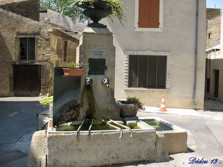 Photo_102_fontaine_place_du_pin