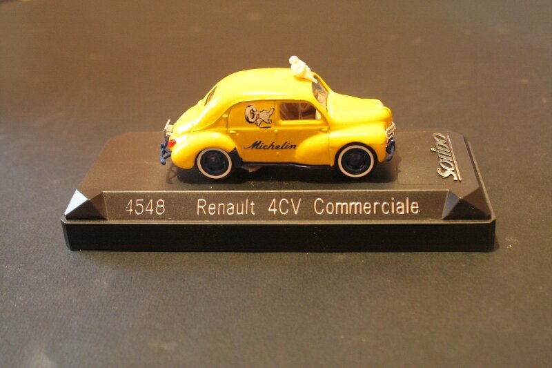 4548_Renault 4cv commerciale Michelin_01