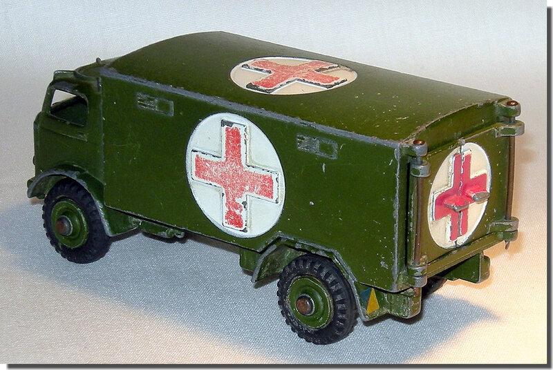 Dinky Toys 626 Ambulance A 2