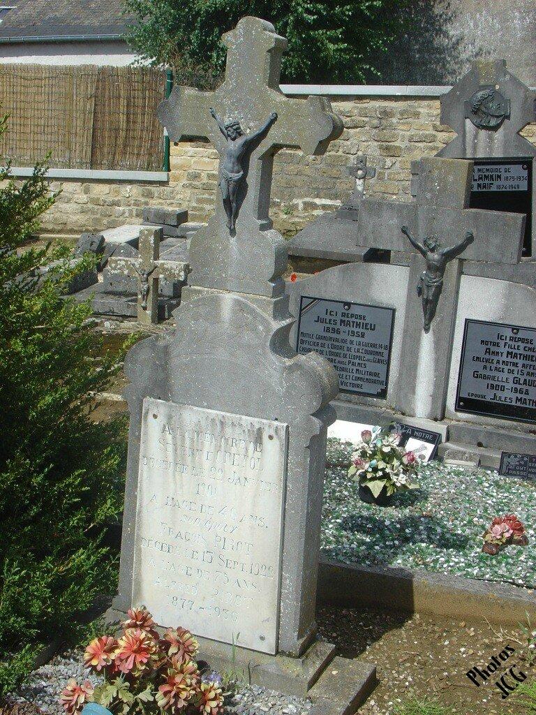 Severine CPETOL décédée 1901 à 46 ans son époux François PIROT 1922 à 75 ans Alfred PICOT 18991936