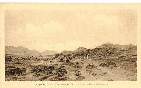 A) MARRAKECH Route de MARRAKECH Vue du Col de Djebilat LIMANTON