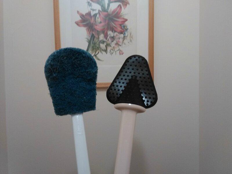 la r volution dans les brosses pour nettoyer la cuvette. Black Bedroom Furniture Sets. Home Design Ideas