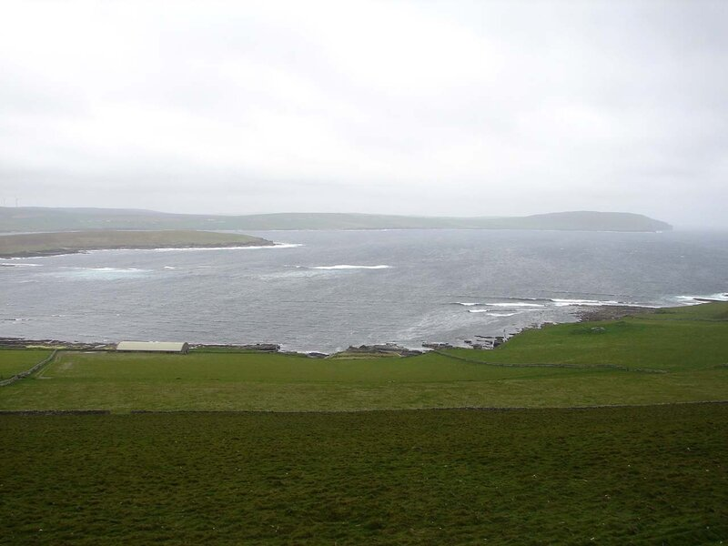 Rousay_Midhowe_cairn_1