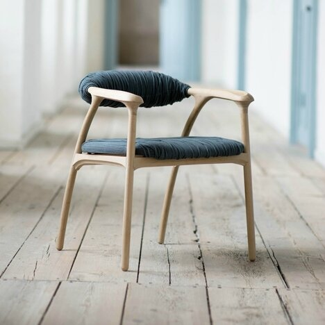 dezeen_Haptic-Chair-by-Trine-Kjaer-Design-Studio_1sq[1]