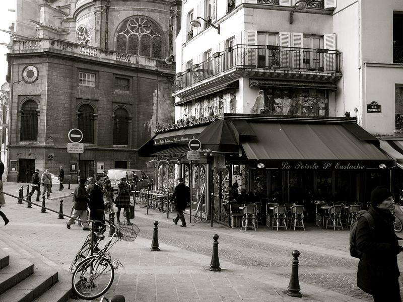 Instantané rue Montorgueil, quartier les Halles.