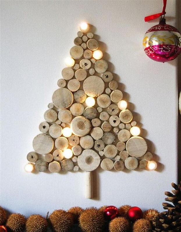 Un-sapin-de-Noel-en-bois-avec-des-rondelles