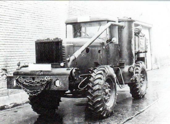 25-tracteur-latil-equipe-d-un-gazogene-a-bois-imbert-koln