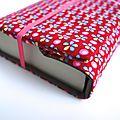 Couverture de livre en tissu petit pan à fleur très coloré