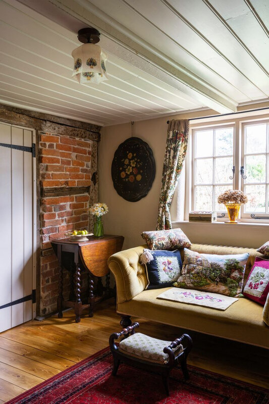 Vintage cottage in England photos by Kasia Fiszer (3)