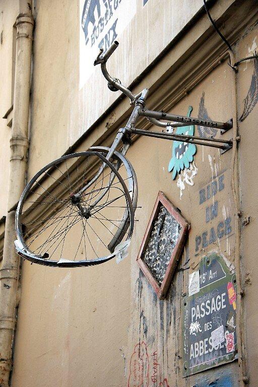 vélo suspendu (RIP)_8344