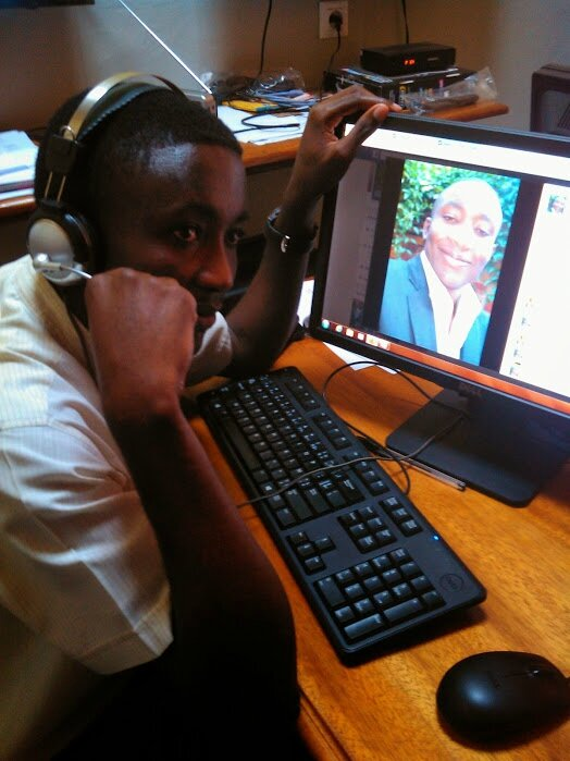 Sur ma machine de la Rédaction, Radio Don Bosco - Lubumbashi. Sept 2014