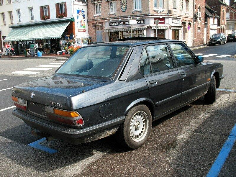 BMW520iE28ar1