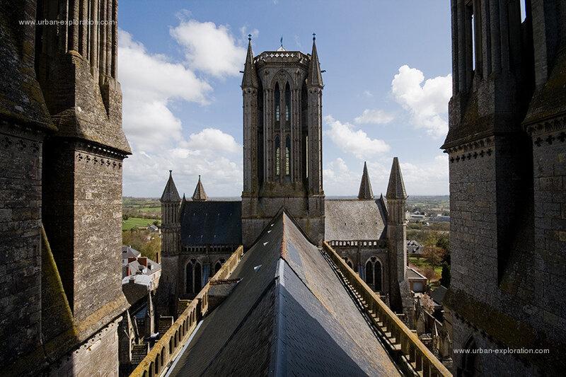 toits_de_la_cathedrale_de_coutances_01