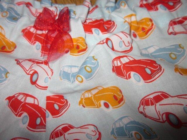 Culotte BIANCA en coton ciel imprimés voitures rouge et orange - noeud mousseline rouge (3)