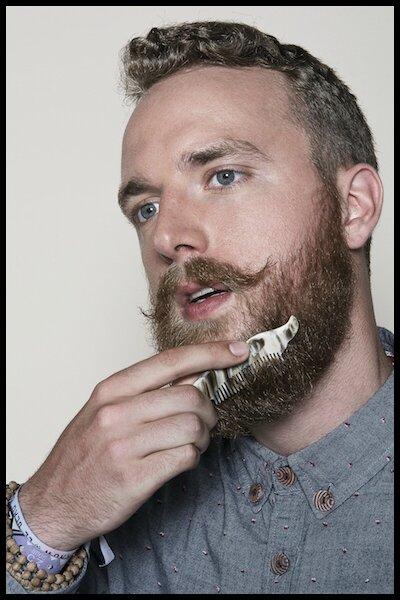 l artisan createur peigne a barbe et a moustache 2