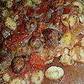 Gratin de gnocchis, tomates origan et saucisses fumées