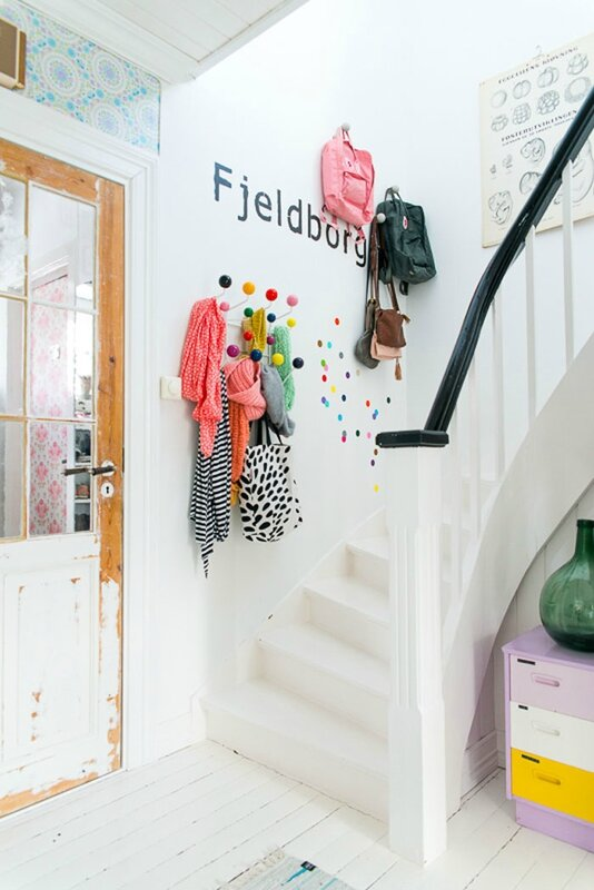 Colorful-home-in-Norway-Fjeldborg-6[1]