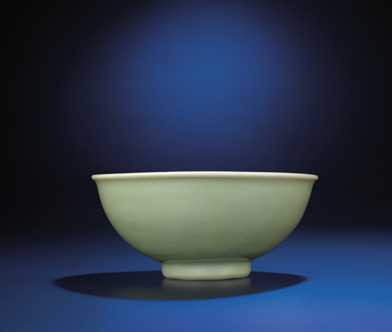 2012_HGK_02963_2279_000(a_fine_longquan_celadon_bowl_early_ming_dynasty_14th_15th_century)