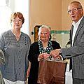 Louise castel reçoit la municipalité suite au repas des anciens