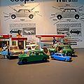 Dinky toys, corgi toys, honneur aux anglaises ! des miniatures vintage et une ancienne publicité austin-morris...