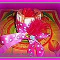 Charlott'ine aux fraises, sur un croustillant praliné....