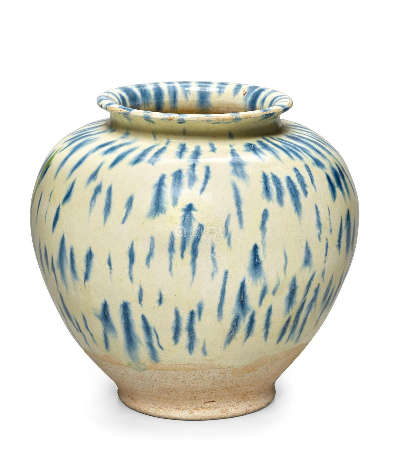 A blue splashed pottery jar, Tang dynasty (618-907)