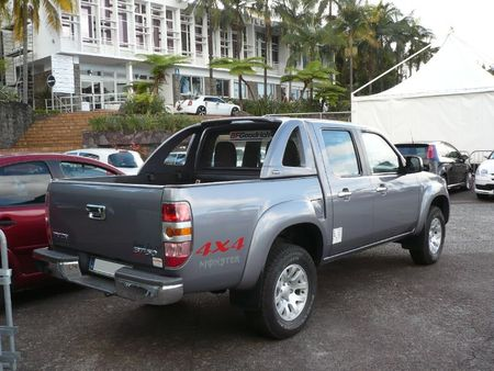 MAZDA BT-50 4X4 pick-up Le Tampon (2)