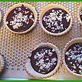 Mini tartelettes au chocolat noir et caramel au beurre demi-sel
