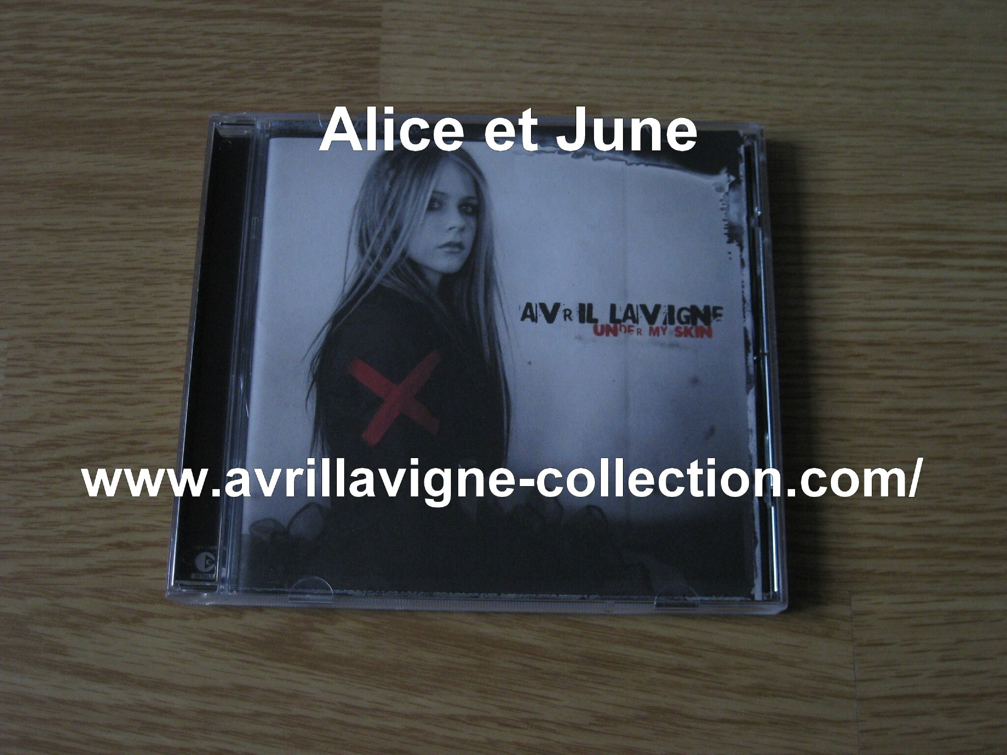 CD Under My Skin-version anglaise avec bonus track (2004)