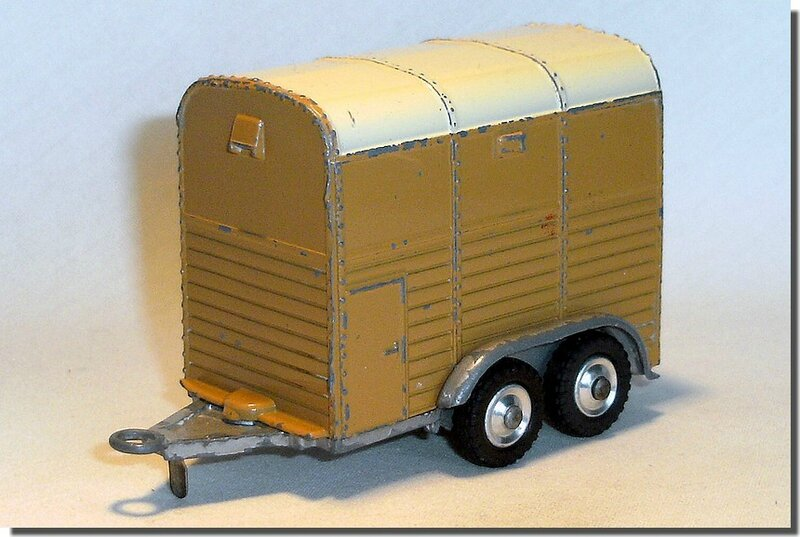 Corgi Toys #102 Pony Trailer Version 2 A