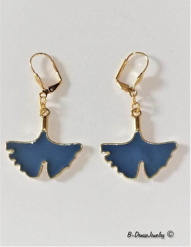 Original Colliers !! FEUILLE DE GINGKO !! en laiton et resine emaillees, Vert metal dore T:50cm x 3cm B-DeniseJewelry Creation