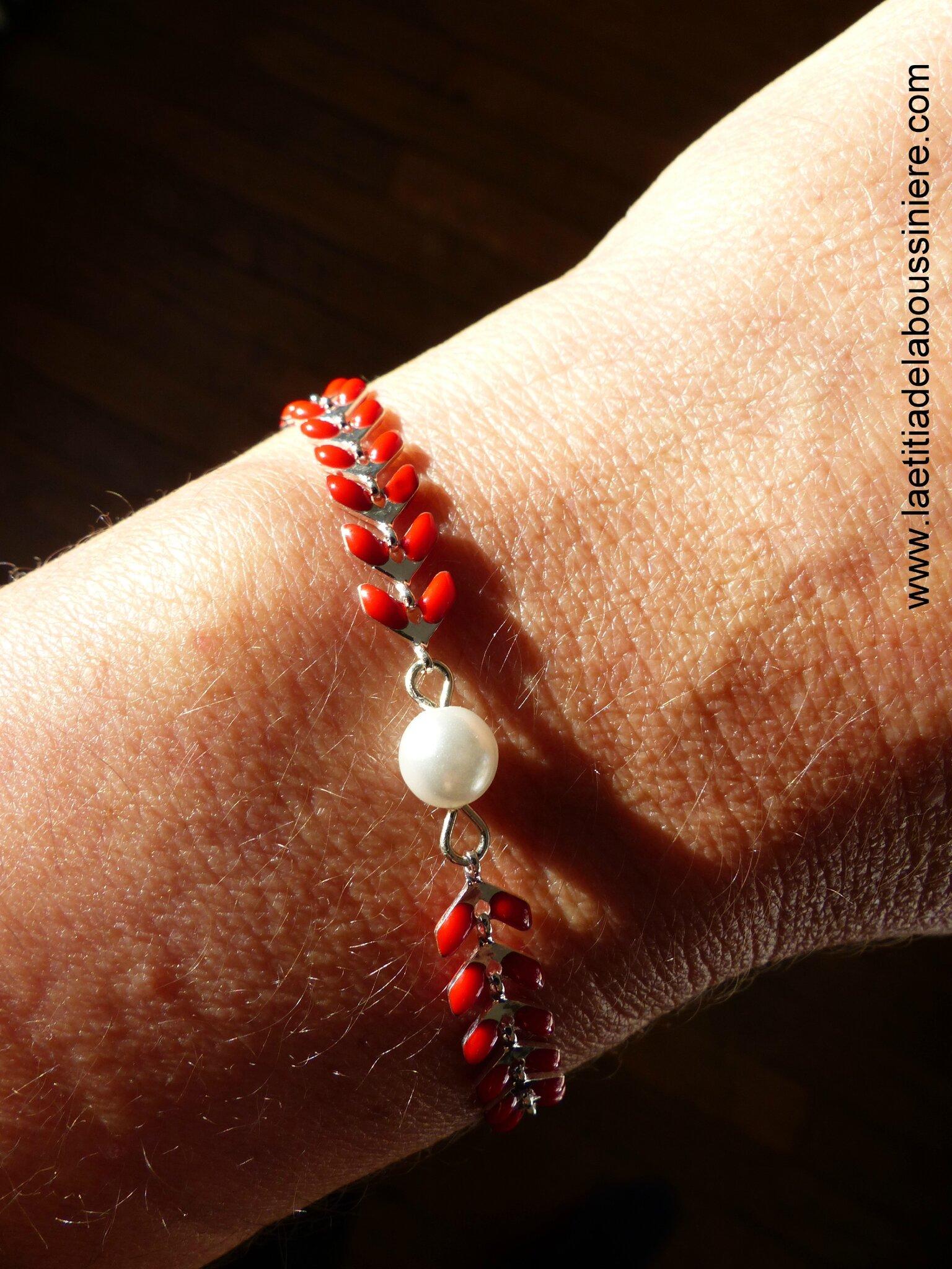 Bracelet Ludivine (argenté et rouge) au soleil - 17 €