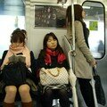 3 girls in a densha