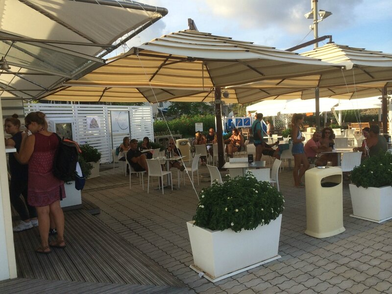 L'espace wifi-bar du port de plaisance, Santa Maria di Leuca 120815